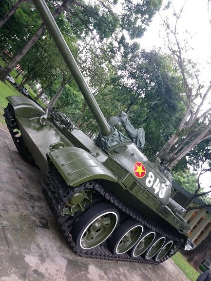 大統領公邸に突入した北ベトナム軍の戦車