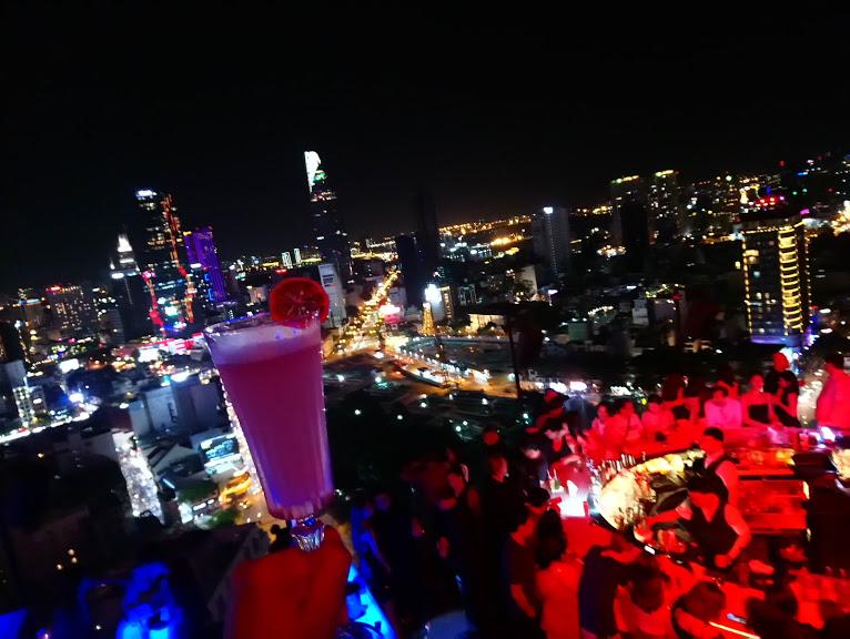 Chill sky barから見たホーチミンの夜景