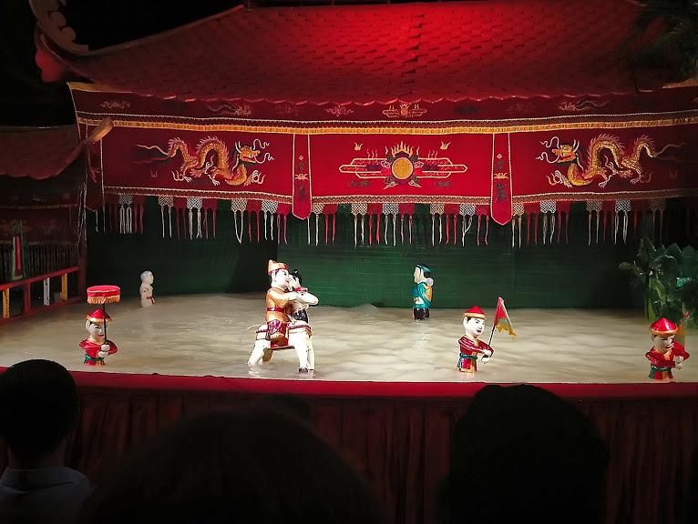 ベトナム伝統芸能の水上人形劇